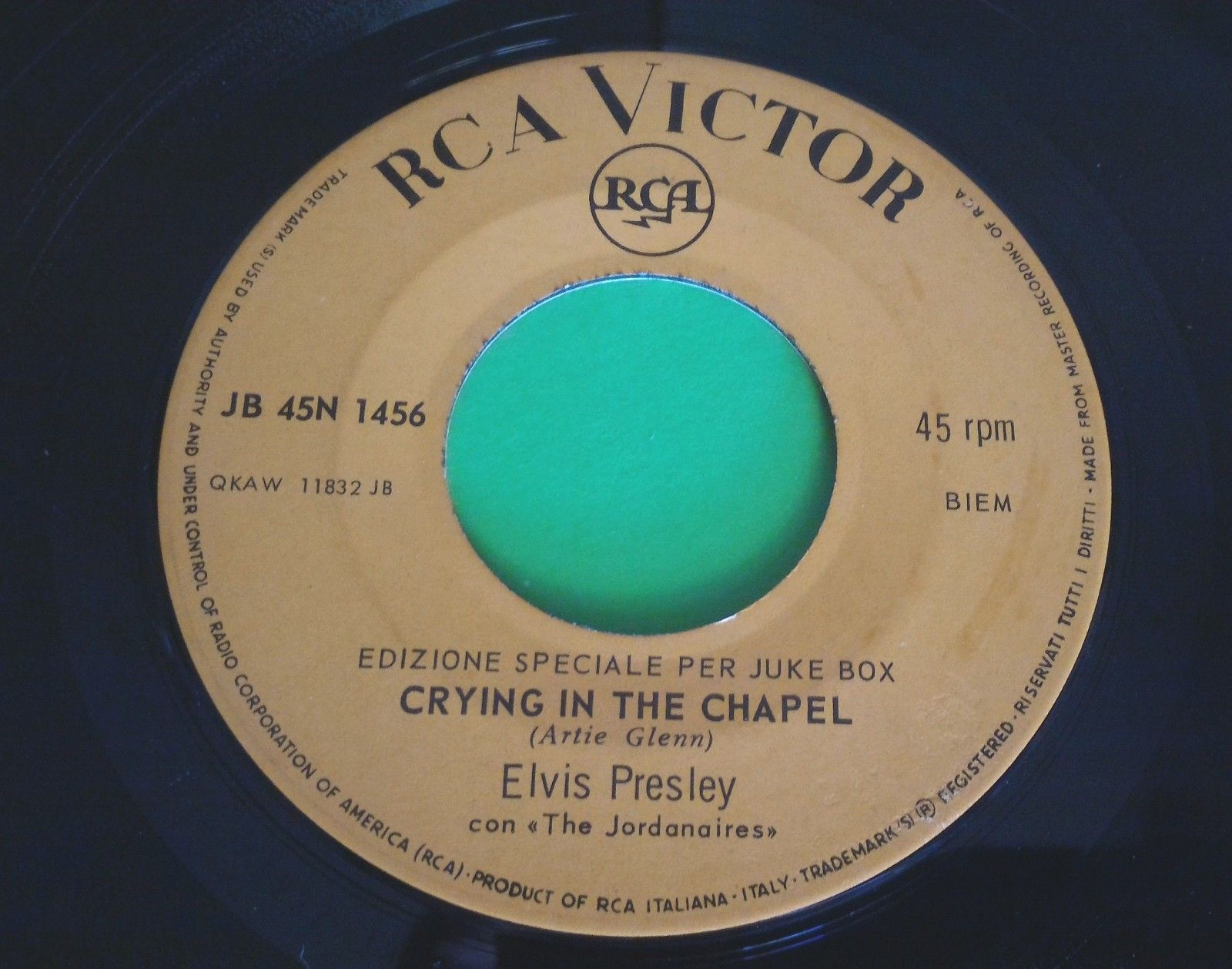 ELVIS PRESLEY(45 RPM-ITA) JB 45N 1456 CRYING IN THE CHAPEL (RARE JUKE BOX ISSUE)