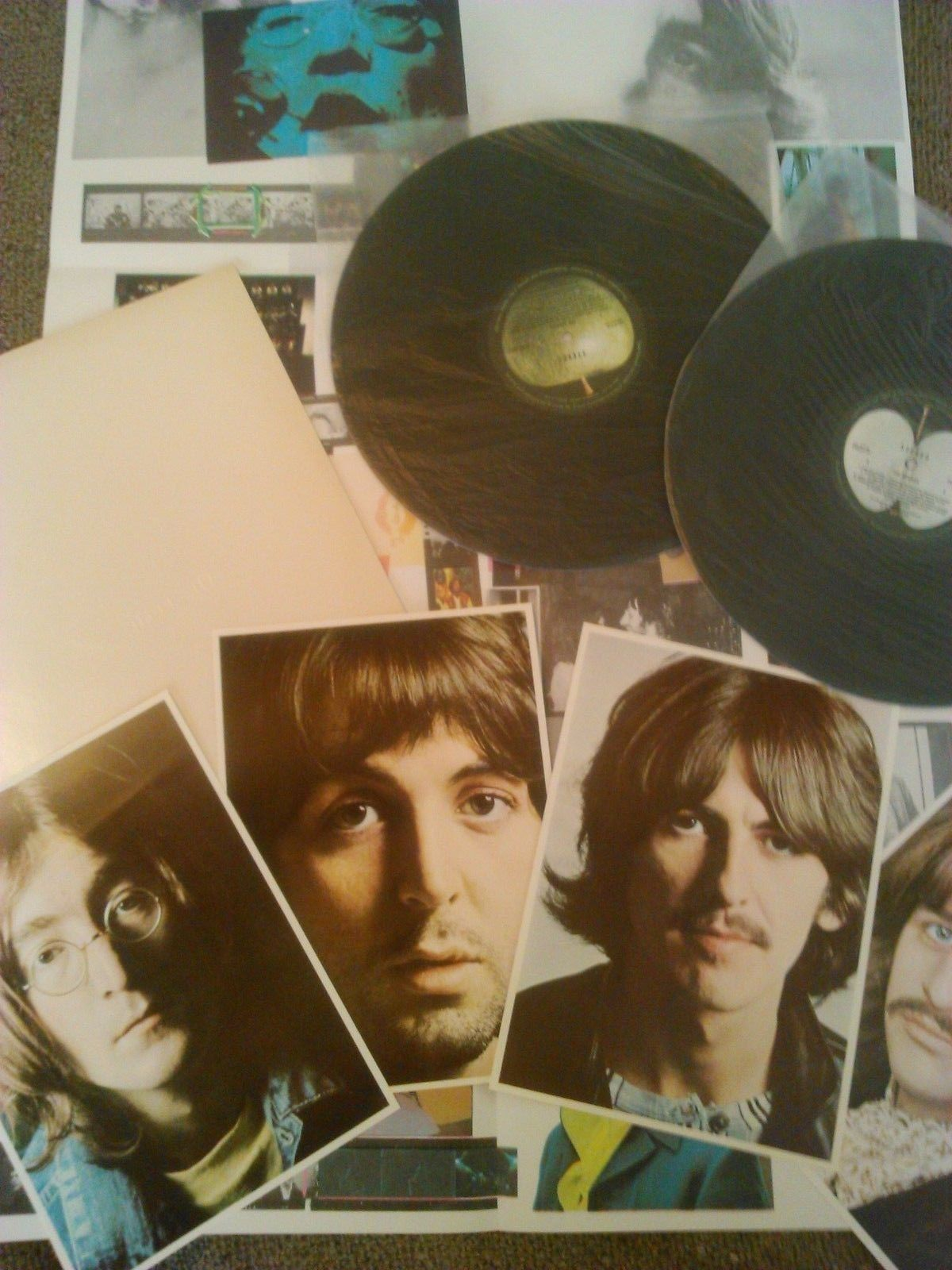 THE BEATLES - S / T ( WHITE ALBUM ) 2X LP + POSTER & PHOTOS EX+  RARE OZ APPLE