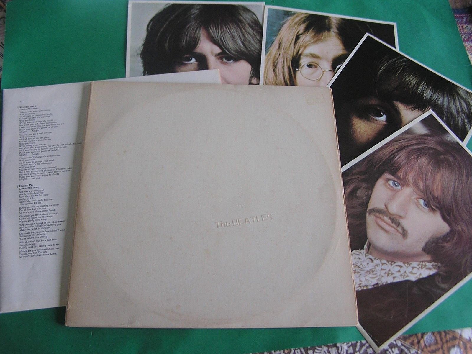 THE BEATLES - WHITE ALBUM - ORIGINAL OZ LP RECORD + POSTER & CARDS