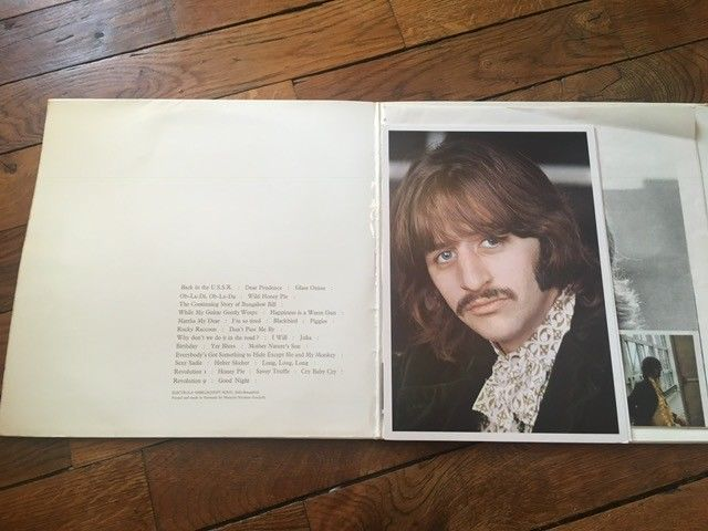 the Beatles : the White album   2LP  Stereo Holland Pressing MINT  Poster + post