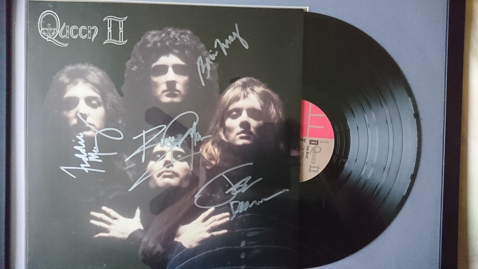 Queen 2, Album, signed by all band members including Freddie Mercury.