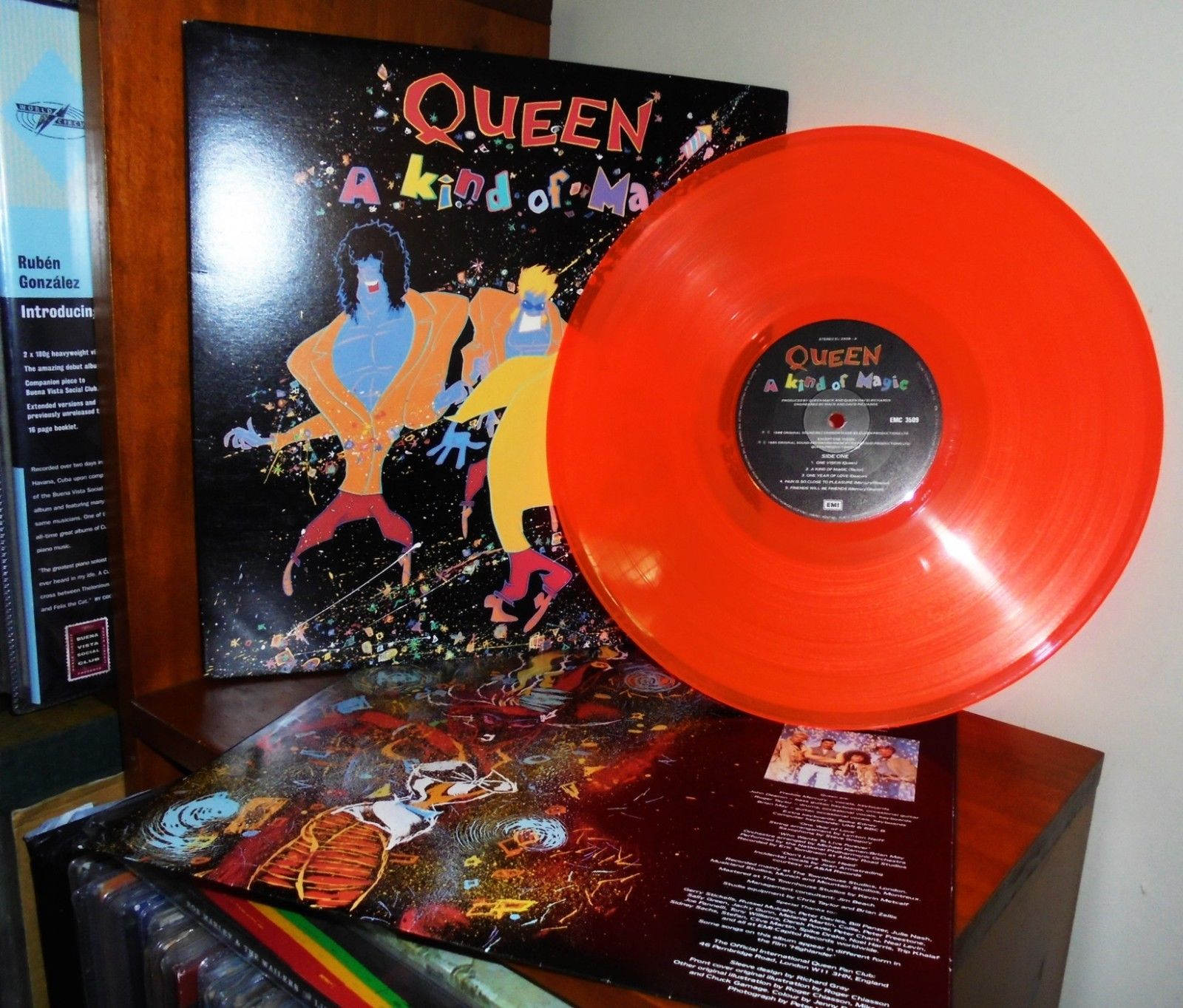 Queen Kind of magic Orange Vinyl NZ  +  Live in Concert  + The Works Gold