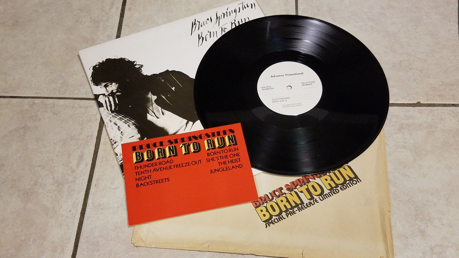 Bruce Springsteen - Born To Run Script Cover NM+ Unplayed  With Bag + Postcard