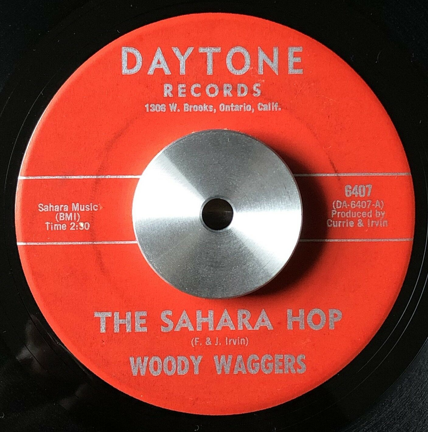 "SURF Guitar INSTRUMENTAL Rocker- WOODY WAGGERS- ""The Sahara Hop""- DAYTONE Hear"