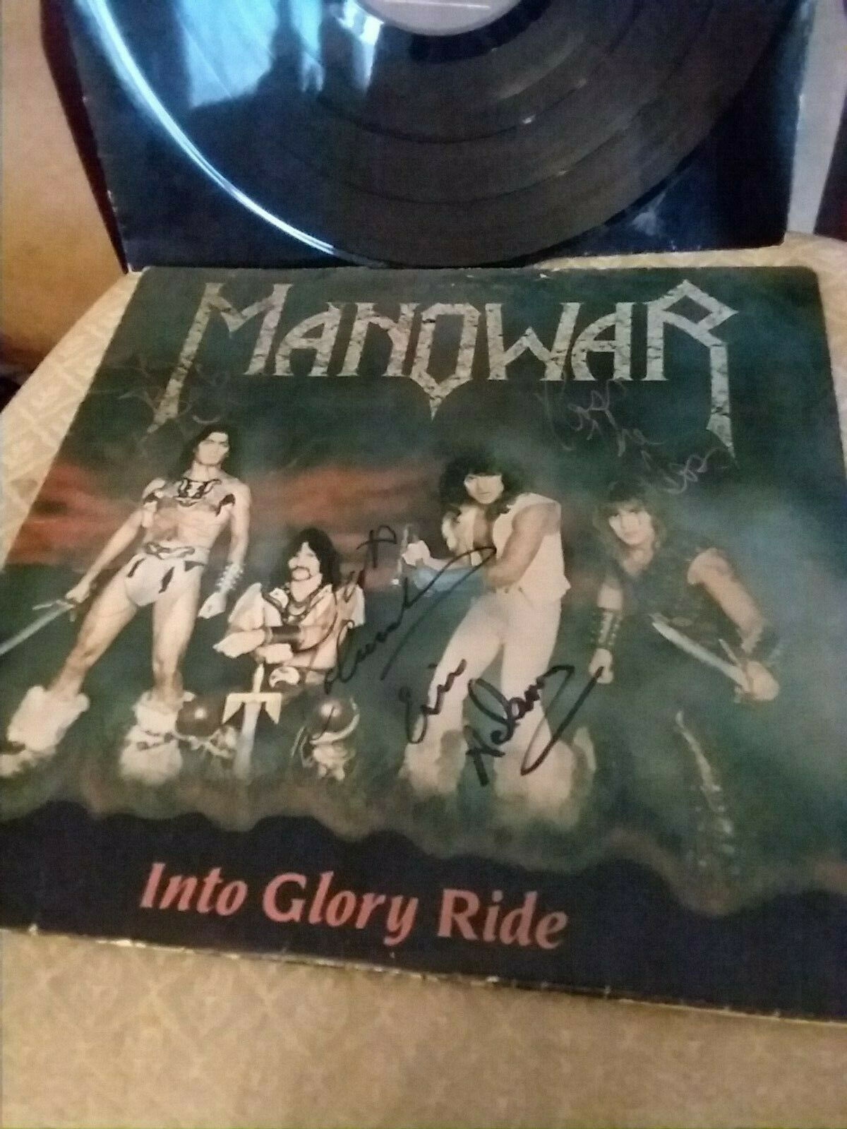 Manowar - into glory ride - SIGNED BY 4 BAND MEMBERS VG-/VG+ ORIGINAL COPY