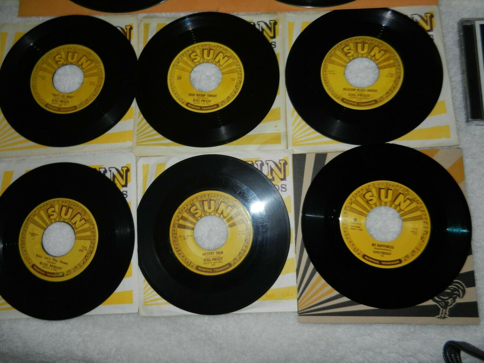 ELVIS PRESLEY ORIGINAL1950'S 45'S, 78'S AND MEMPHIS RECORDING SERVICE VOLUMES