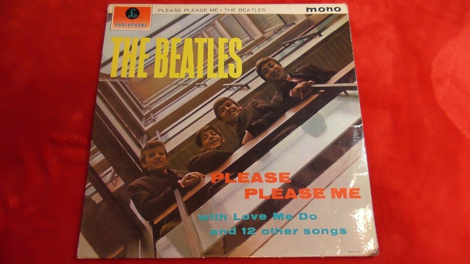"""PMC 1202 THE BEATLES  """"PLEASE PLEASE ME"""" BLACK/GOLD AMAZING FIRST ISSUE MONO"""