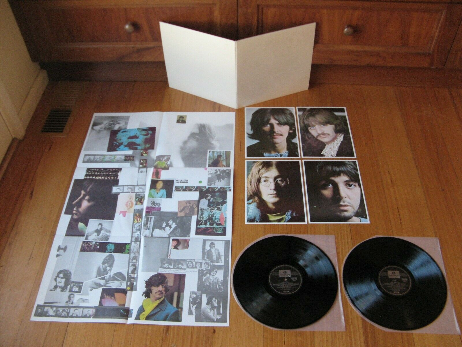BEATLES - White Album 2LP - MINT / NM Oz Press - COMPLETE - POSTER + 4 PHOTOS